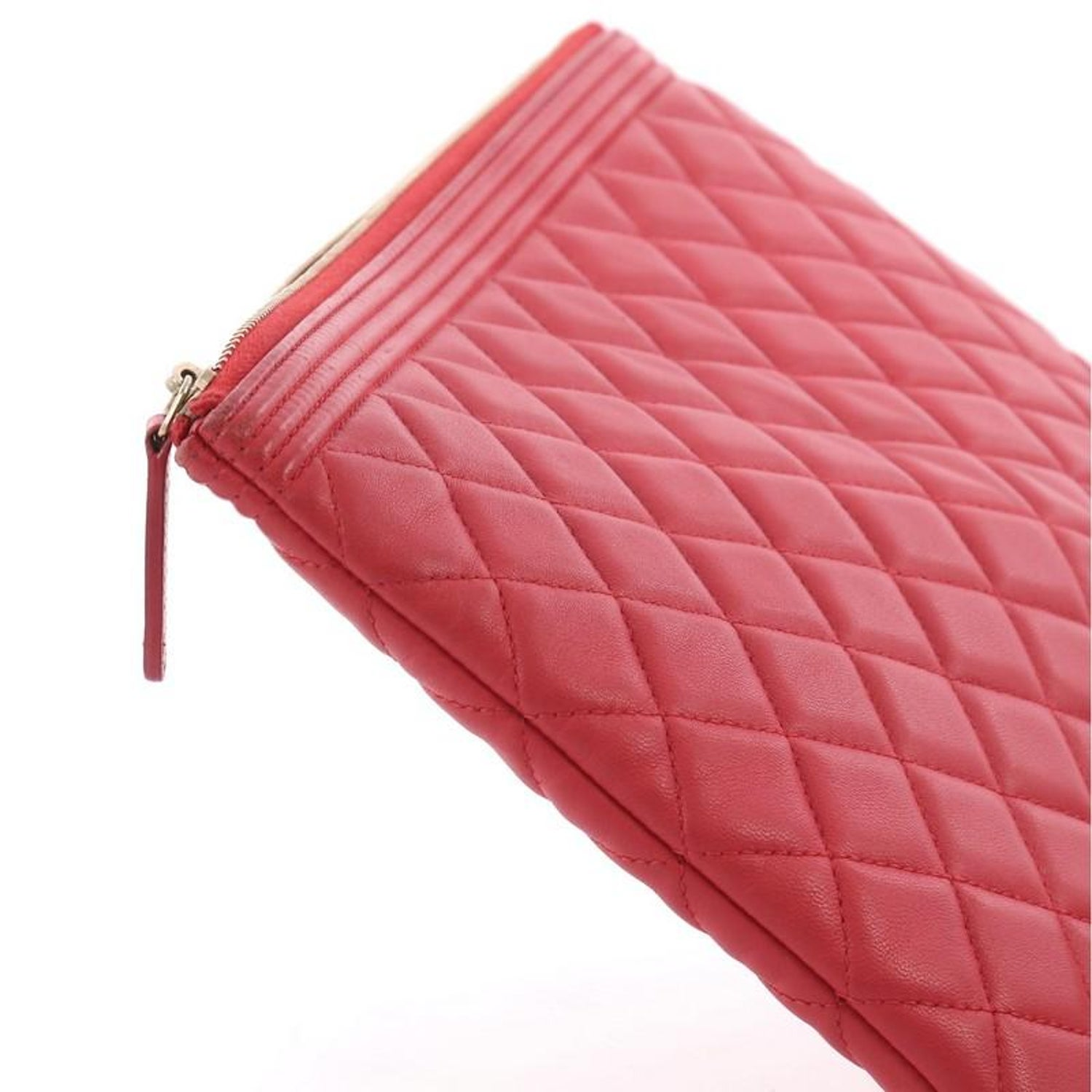 01f361ff4c5d Chanel Boy O Case Clutch Quilted Lambskin Medium For Sale at 1stdibs