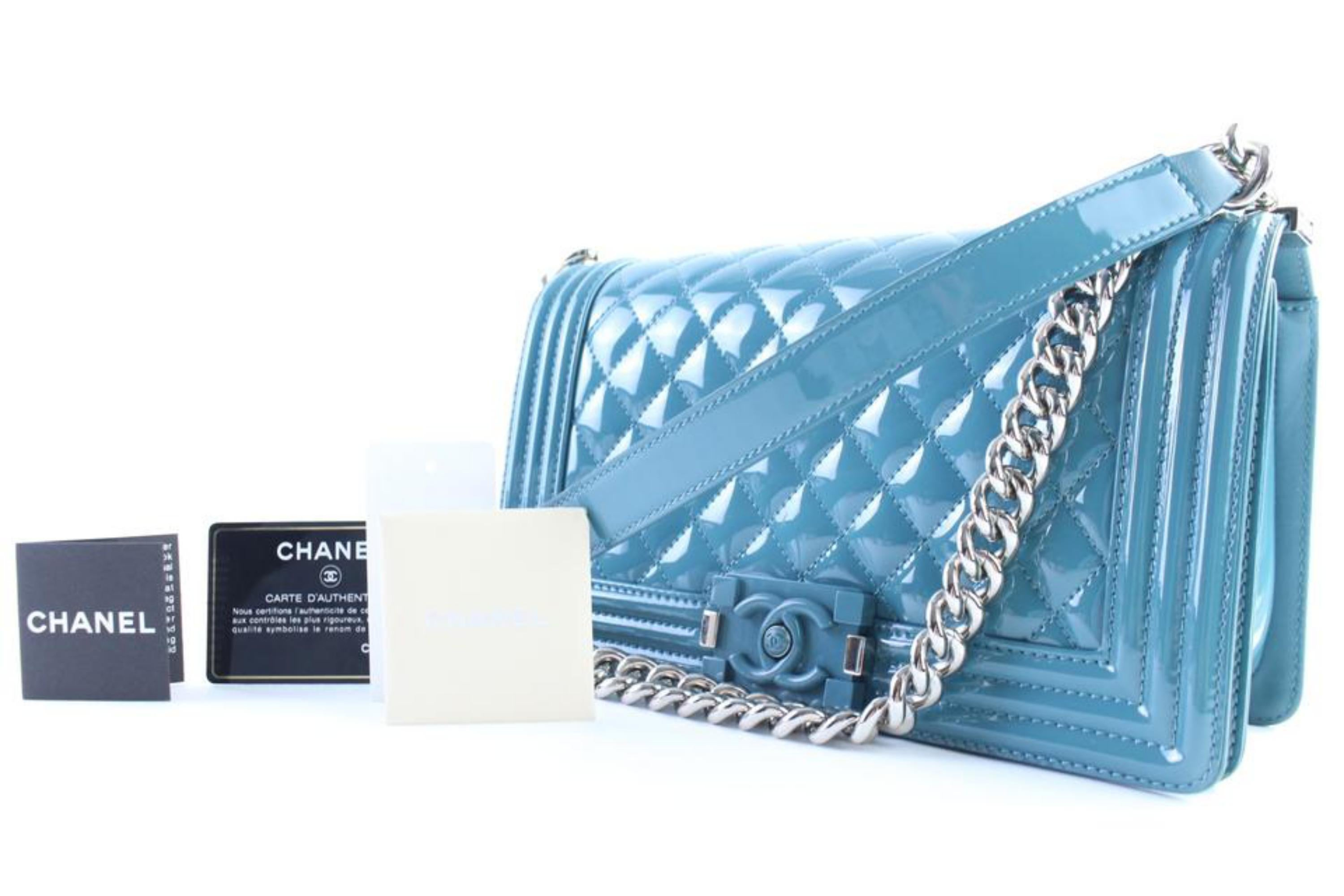 6e53f69f0ff1 Chanel Boy Plexiglass 1cr0604 Aqua Blue Quilted Patent Leather Cross Body  Bag For Sale at 1stdibs