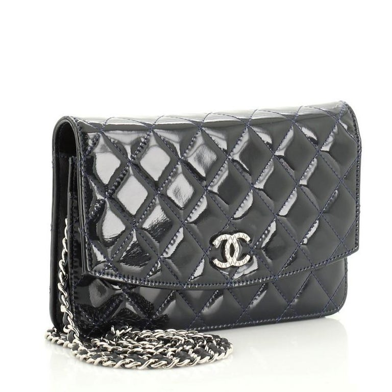 Chanel Brilliant Wallet on Chain Quilted Patent In Good Condition For Sale In New York, NY