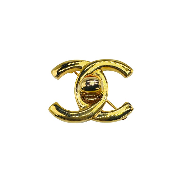 CHANEL Brooch Vintage 1990s For Sale