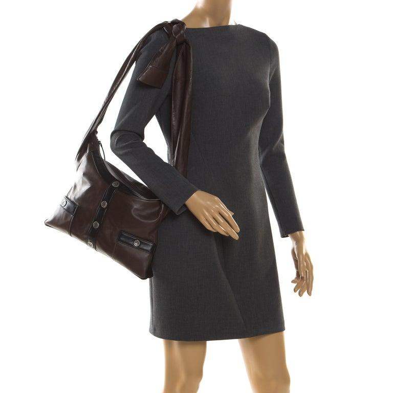 Chanel Brown/Black Leather Medium Girl Shoulder Bag In Excellent Condition For Sale In Dubai, Al Qouz 2