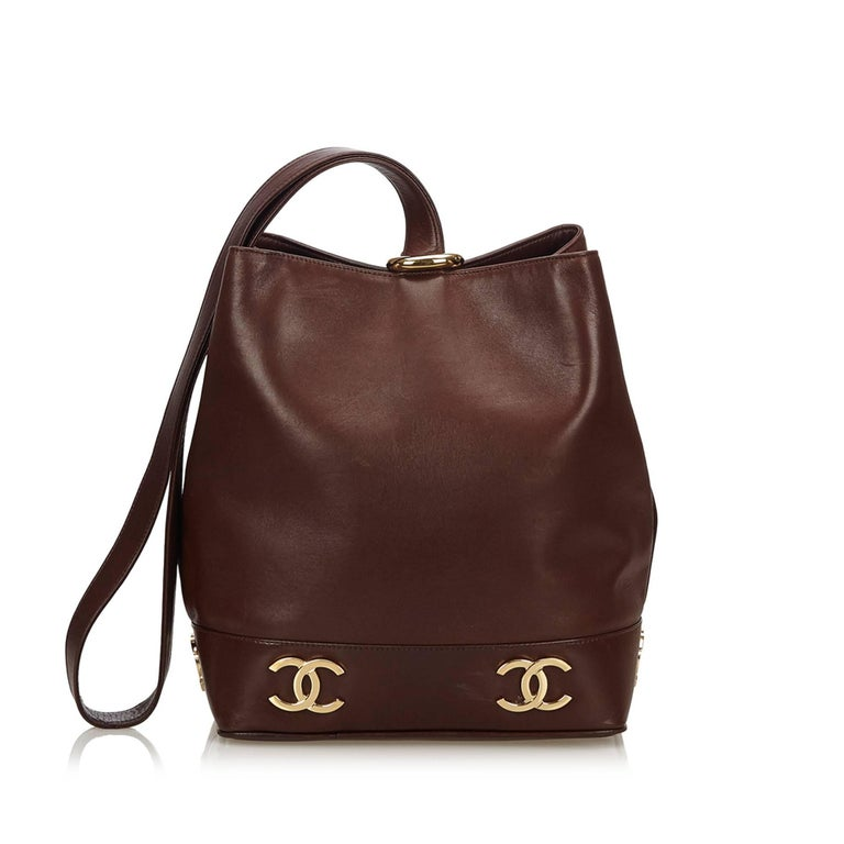 """Women's Chanel Brown Leather Gold Toned """"CC"""" Bucket Bag For Sale"""