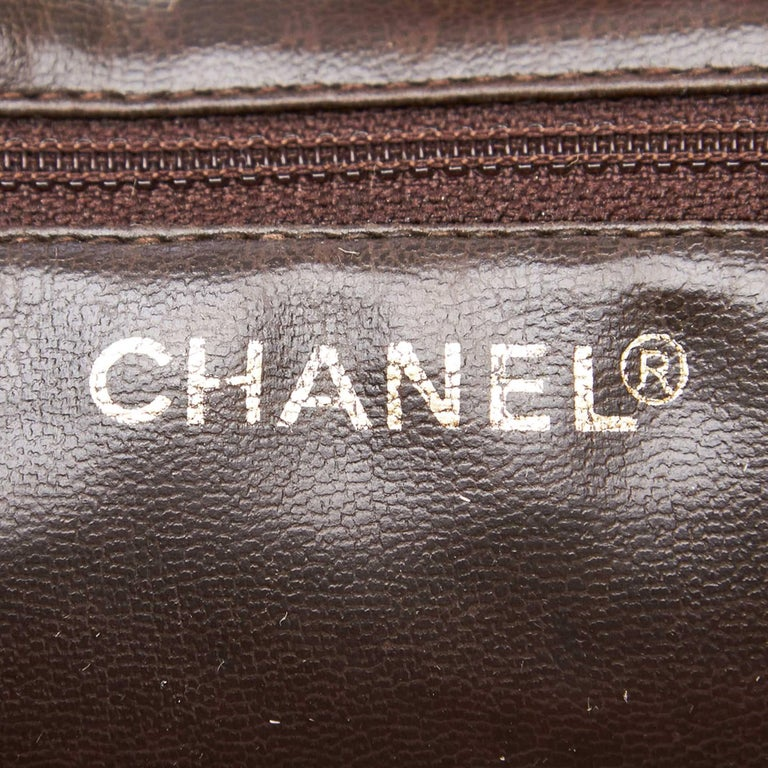 """Chanel Brown Leather Gold Toned """"CC"""" Bucket Bag For Sale 2"""
