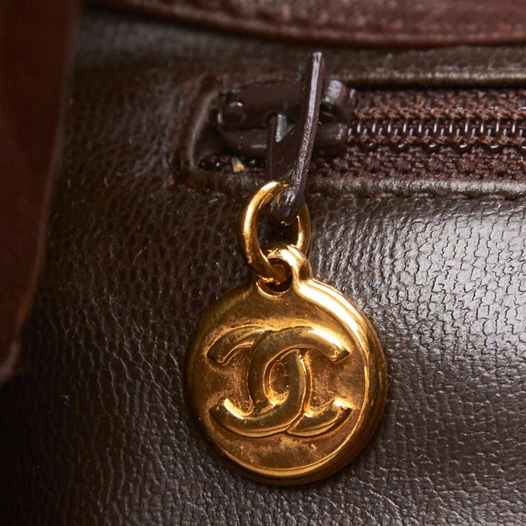 """Chanel Brown Leather Gold Toned """"CC"""" Bucket Bag For Sale 3"""