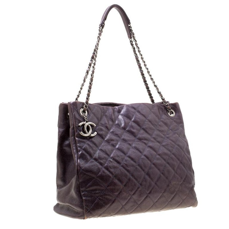 Chanel Burgundy Quilted Caviar Leather Tote In Fair Condition For Sale In Dubai, Al Qouz 2