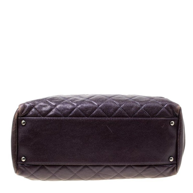 Women's Chanel Burgundy Quilted Caviar Leather Tote For Sale