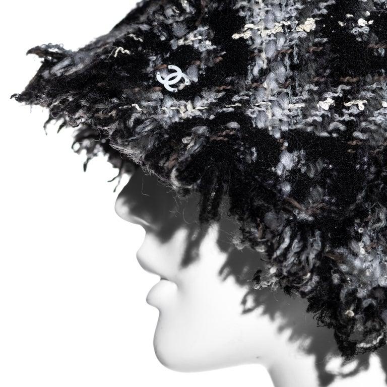 Women's Chanel by Karl Lagerfeld grey wool tweed bucket hat, fw 2005 For Sale