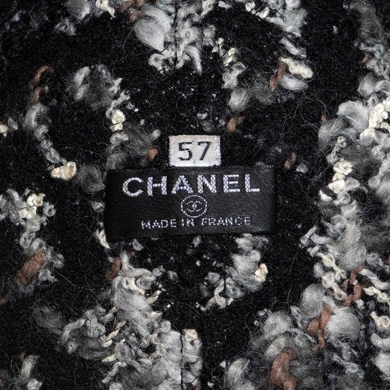 Chanel by Karl Lagerfeld grey wool tweed bucket hat, fw 2005 For Sale 3