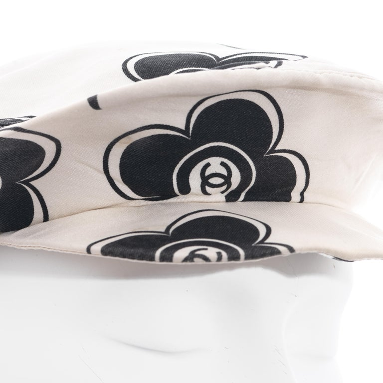 Chanel by Karl Lagerfeld white and black silk flat cap, ss 2002  In Good Condition For Sale In London, GB