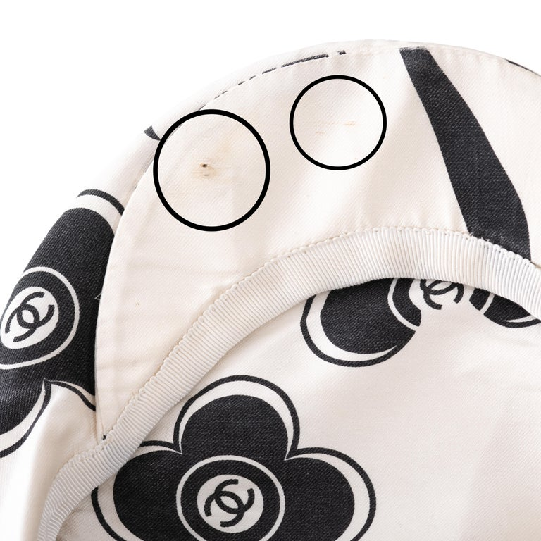 Chanel by Karl Lagerfeld white and black silk flat cap, ss 2002  For Sale 4