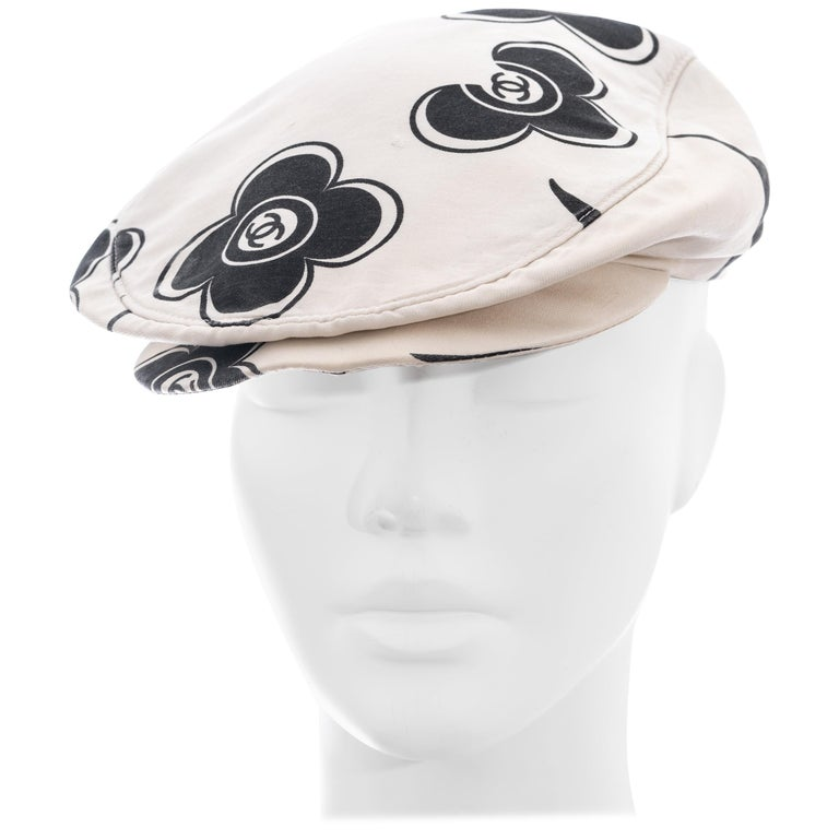 Chanel by Karl Lagerfeld white and black silk flat cap, ss 2002  For Sale