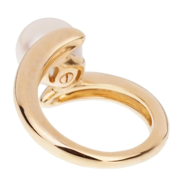 Chanel Bypass Yellow Gold Pearl Ring In Excellent Condition For Sale In Feasterville, PA