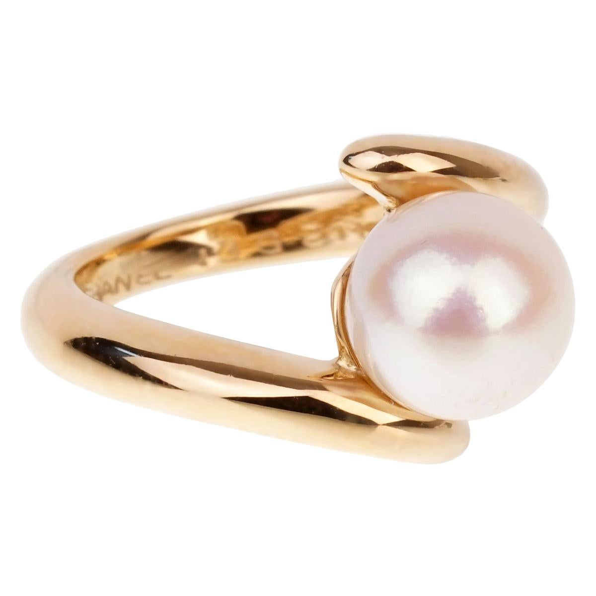 Chanel Bypass Yellow Gold Pearl Ring