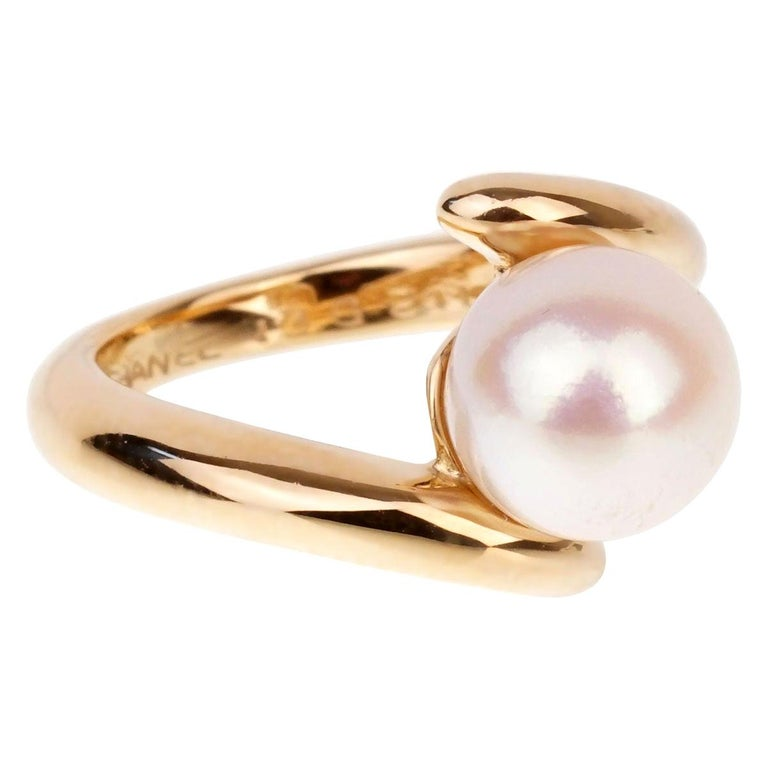 Chanel Bypass Yellow Gold Pearl Ring For Sale
