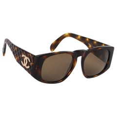 CHANEL c.1980's Brown Tortoiseshell Quilted Gold CC Logo Sunglasses 01450 w/Box