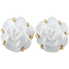 Chanel Camélia 18 Karat Yellow Gold and White Agate Clip-On Earrings