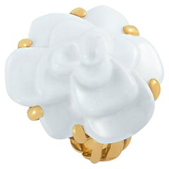 Chanel Camélia 18 Karat Yellow Gold and White Agate Ring