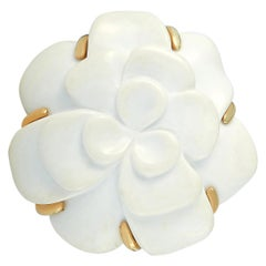 Chanel Camélia 18 Karat Yellow Gold Ceramic Large Camellia Brooch