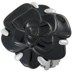 Chanel Camélia White Gold and Onyx Medium Flower Ring