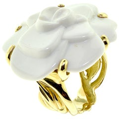 Chanel Camellia Agate Large Flower Cocktail Ring in 18 Karat Yellow Gold