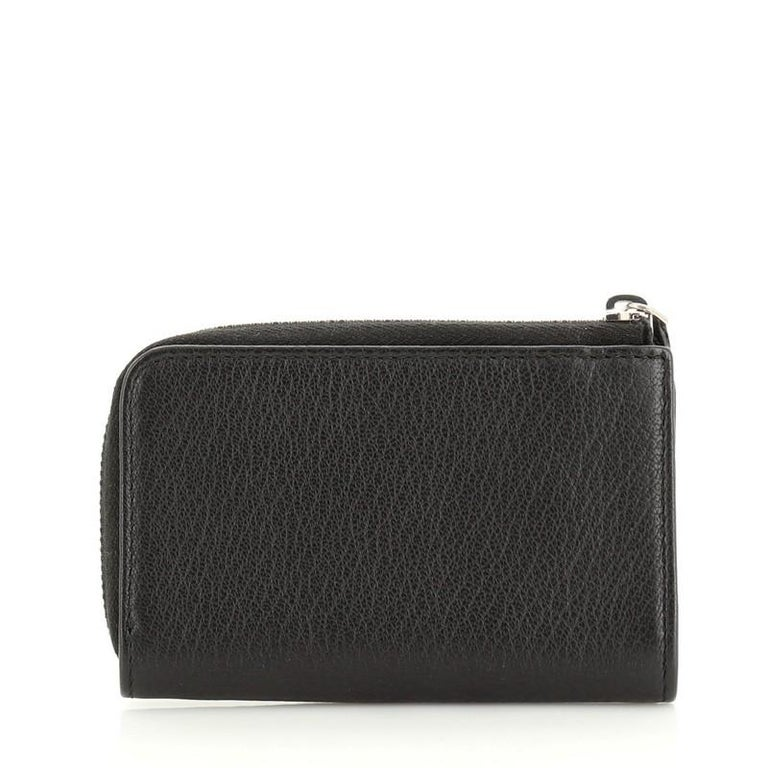 Chanel Camellia Coin Purse Goatskin In Good Condition For Sale In New York, NY