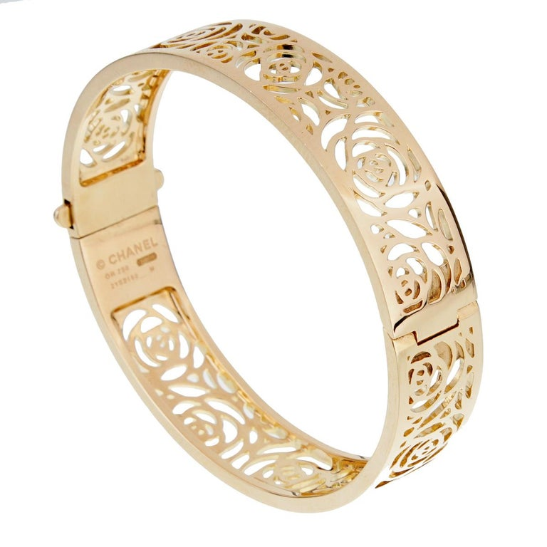 Chanel Camellia Yellow Gold Ajoure Bracelet In Excellent Condition For Sale In Feasterville, PA