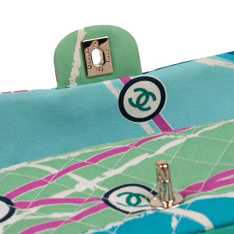 Chanel Canvas Shoulder Bag In Good Condition For Sale In Paris, Paris