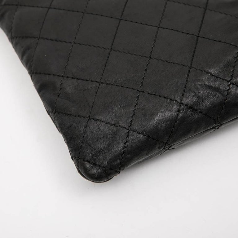 CHANEL Case for iPad in Black Soft Quilted Lambskin Leather For Sale 2