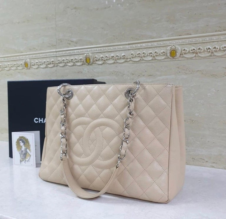 Women's  Chanel Caviar Cream Leather Grand Shopping Tote Bag