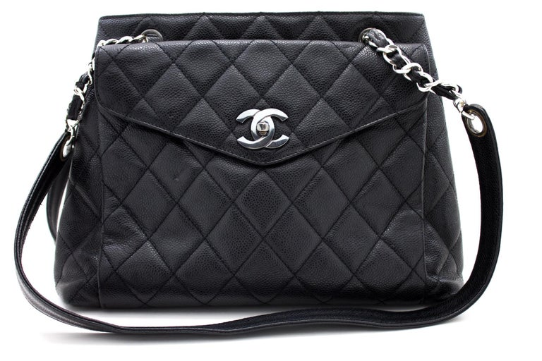 An authentic CHANEL Caviar Quilted Chain Shoulder Bag Black Leather Silver. The color is Black. The outside material is Leather. The pattern is Solid. This item is Vintage / Classic. The year of manufacture would be 1996-1997. Conditions &