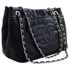 CHANEL Caviar Quilted Chain Shoulder Crossbody Bag Leather Black