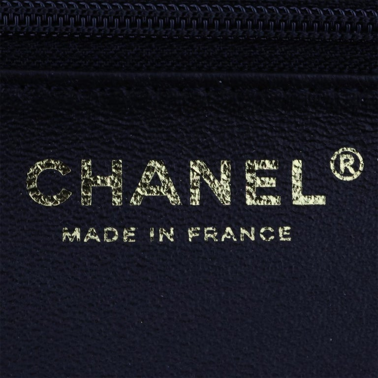 CHANEL CC Chic Flap Bag Black and Gold Lambskin with Brushed Gold Hardware 2019 14