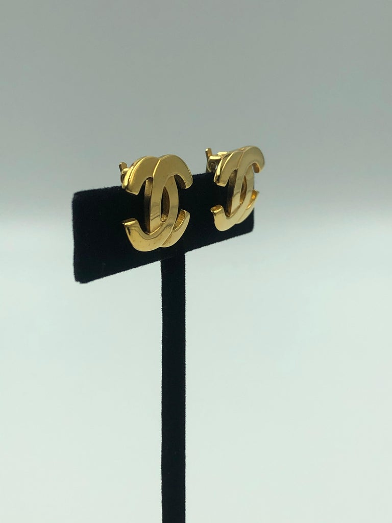 Chanel CC Gold Clip On Earrings For Sale 1