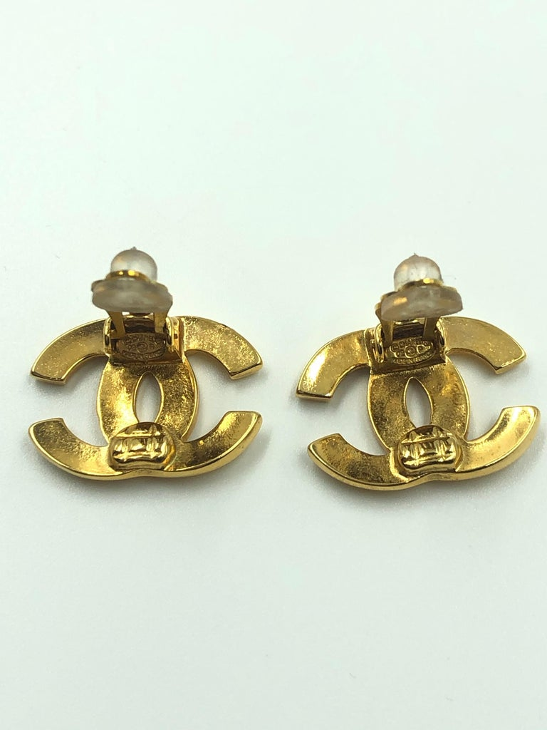Chanel CC Gold Clip On Earrings For Sale 4