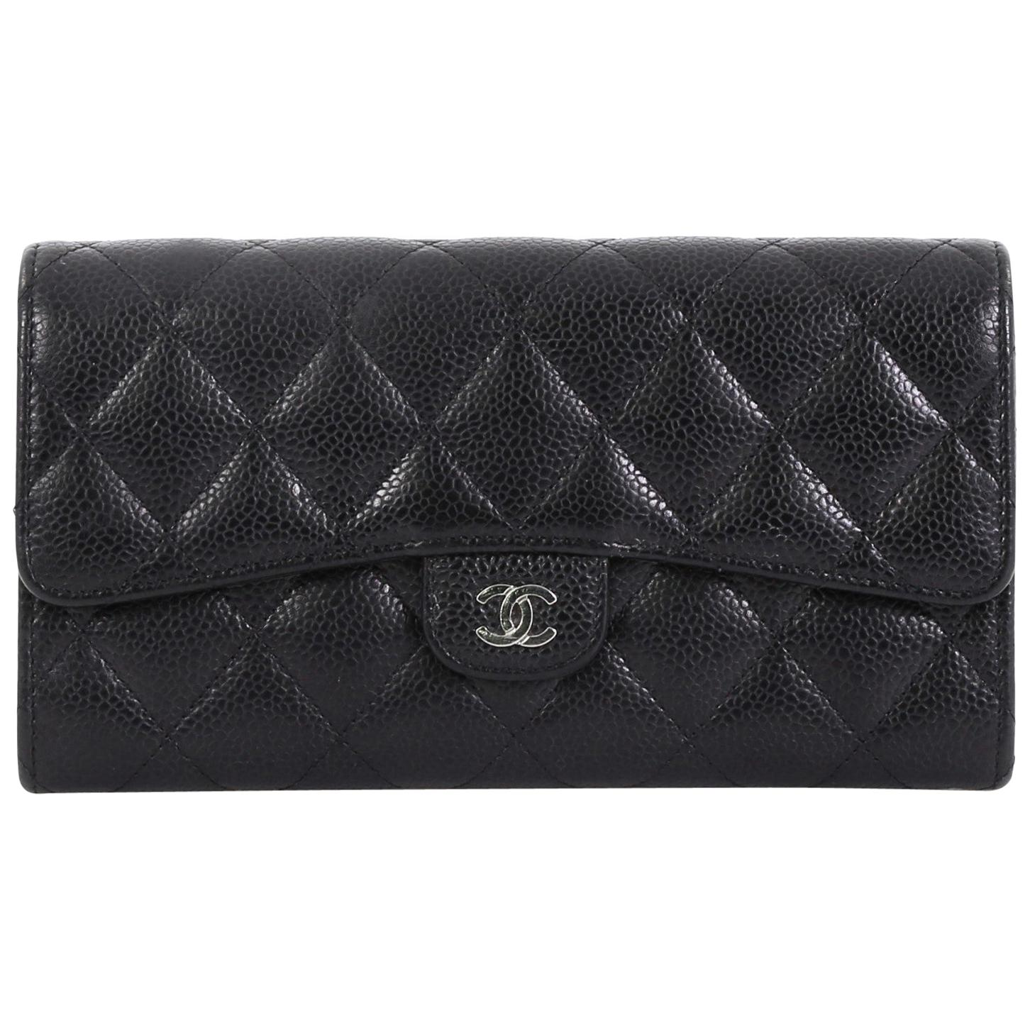 935071cff09714 Chanel Classic Wallets - 28 For Sale on 1stdibs