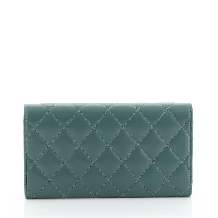 Chanel CC Gusset Classic Flap Wallet Quilted Lambskin Long In Good Condition For Sale In New York, NY