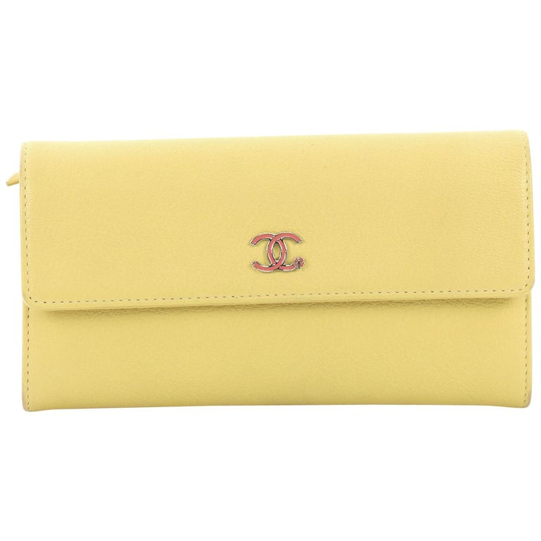 29f938056560 Chanel CC Gusset Flap Wallet Goatskin Long For Sale at 1stdibs