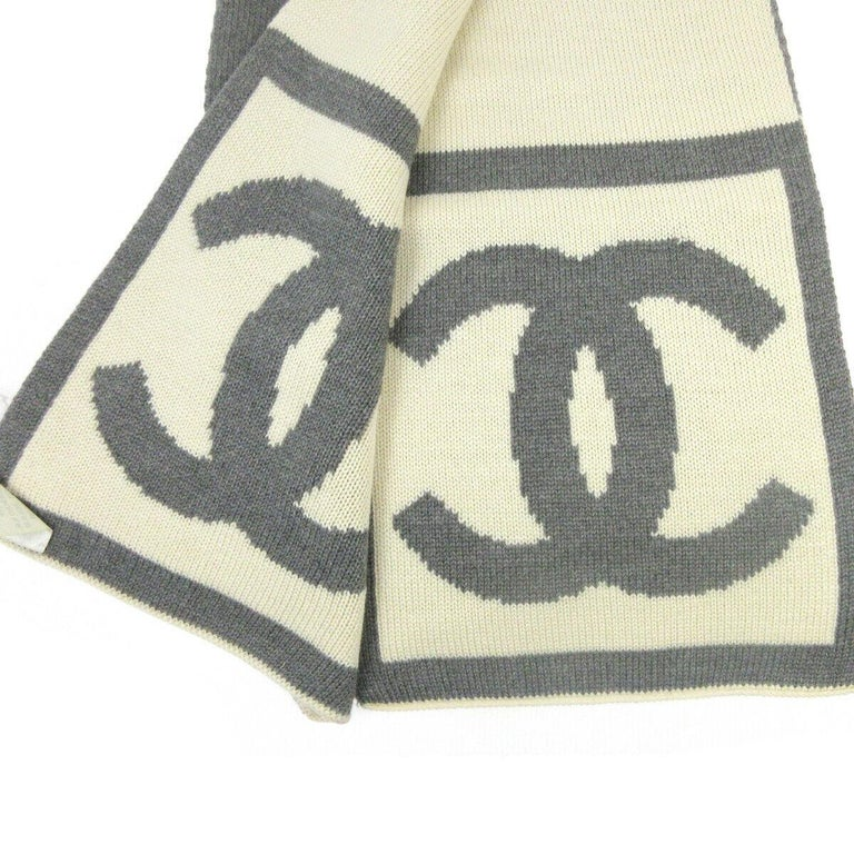 Chanel CC Logo Gray Ivory Cashmere Silk Laine Winter Jacket Reversible Scarf  In Good Condition For Sale In Chicago, IL
