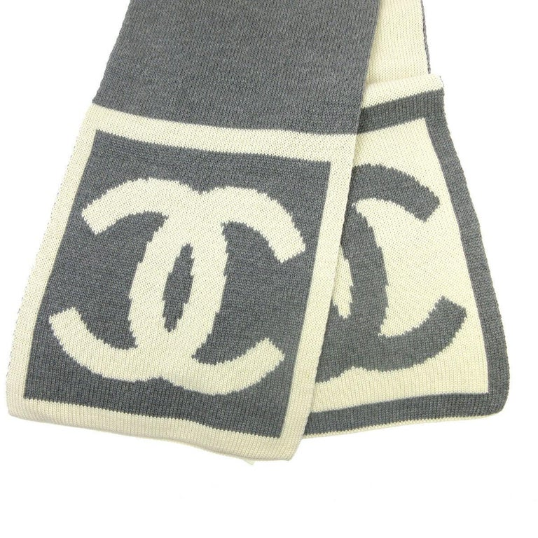 Women's or Men's Chanel CC Logo Gray Ivory Cashmere Silk Laine Winter Jacket Reversible Scarf  For Sale