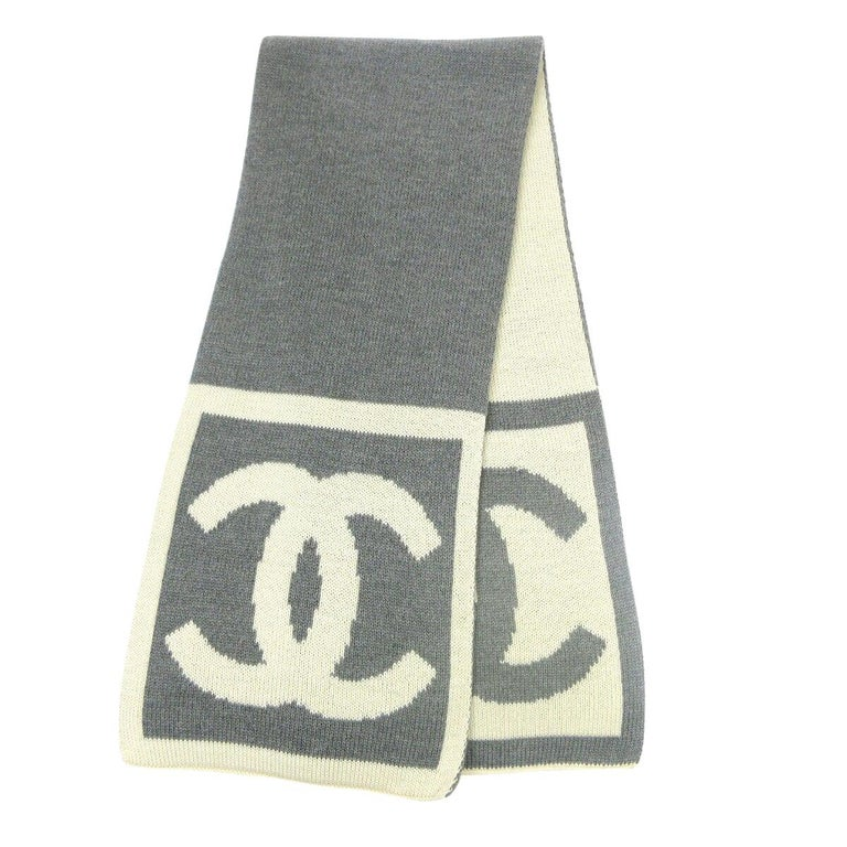 Chanel CC Logo Gray Ivory Cashmere Silk Laine Winter Jacket Reversible Scarf  For Sale