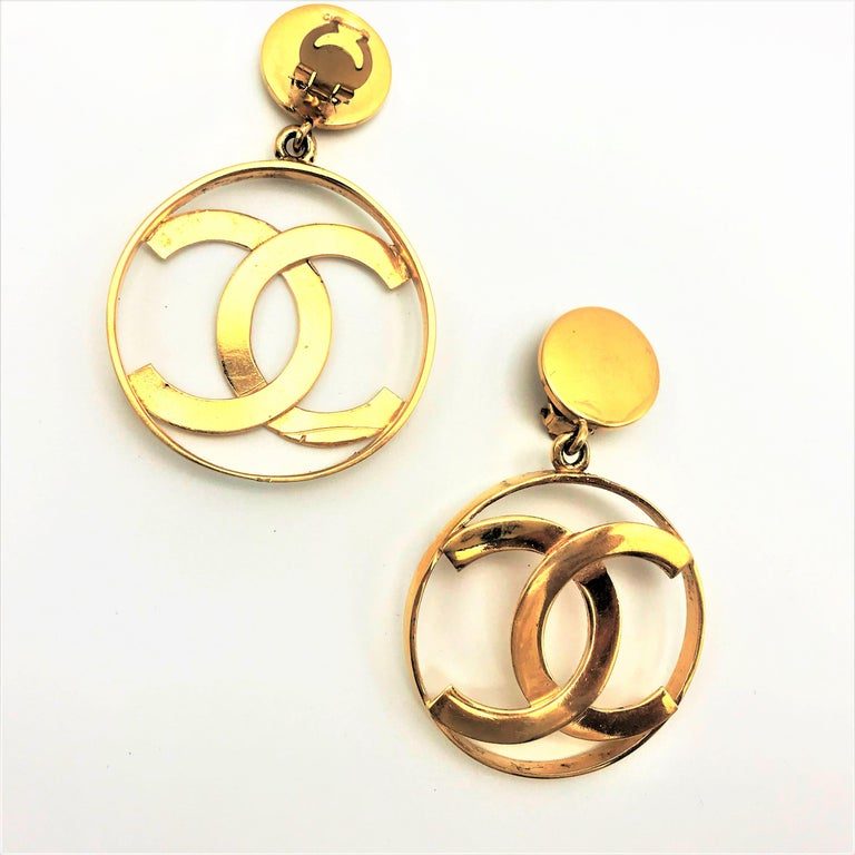 Chanel CC Logos sunburst hoop dangle ear clips gold plated For Sale 1