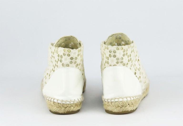 Women's Chanel CC Patent Leather Trimmed Crochet Espadrilles For Sale