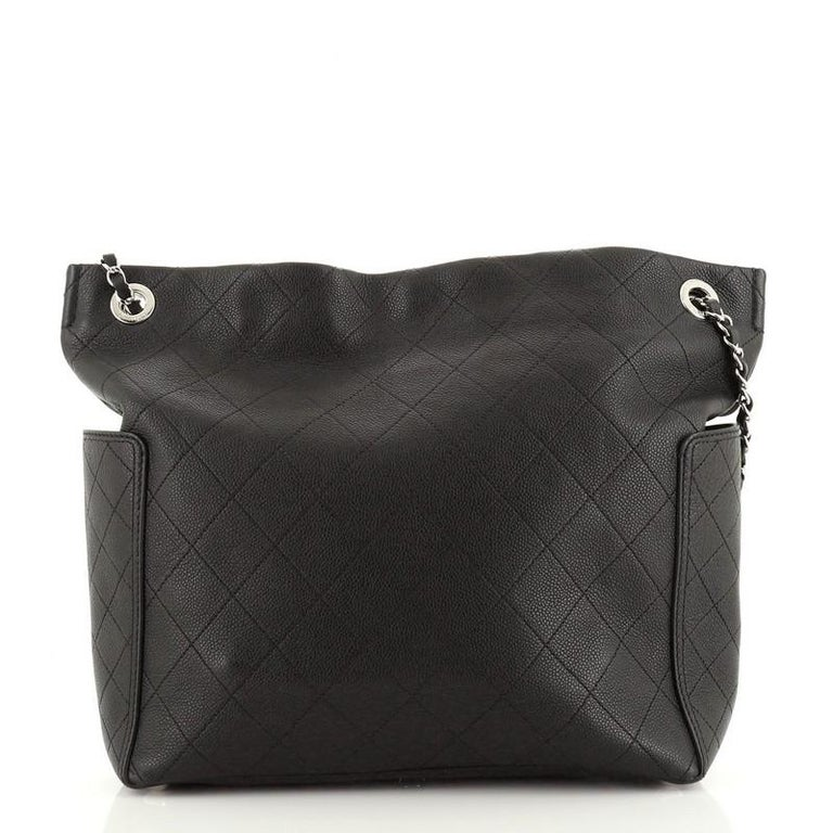 Chanel CC Pocket Hobo Quilted Caviar Medium In Good Condition For Sale In New York, NY