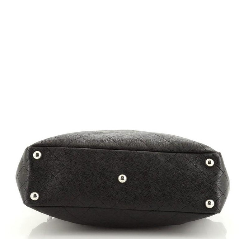 Women's or Men's Chanel CC Pocket Hobo Quilted Caviar Medium For Sale