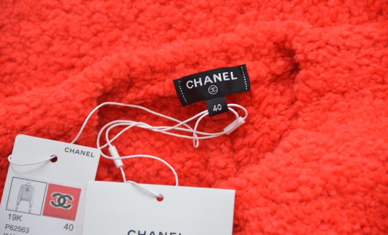 CHANEL CC Red Teddy Sweater   NEW   Size 40FR 3