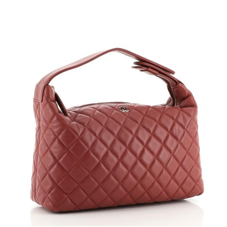 Chanel CC Zip Hobo Quilted Lambskin Small In Good Condition For Sale In New York, NY