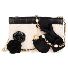 Chanel Chain Rare Vintage 90's Freshwater Pearl Black White Tweed Lambskin Bag