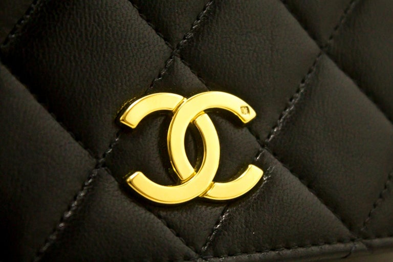 CHANEL Chain Shoulder Bag Black Clutch Flap Quilted Lambskin For Sale 8
