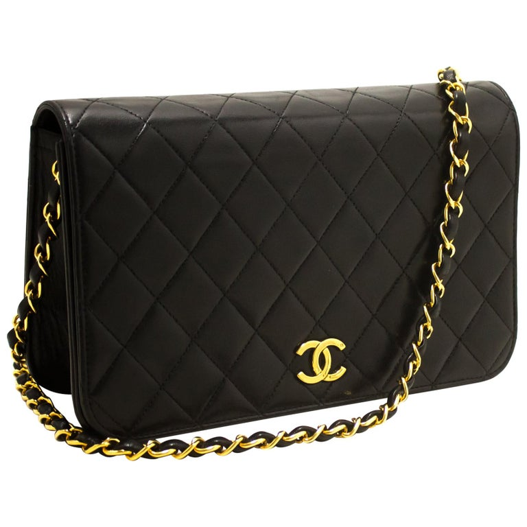 CHANEL Chain Shoulder Bag Black Clutch Flap Quilted Lambskin For Sale
