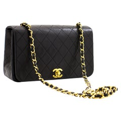 CHANEL Chain Shoulder Crossbody Bag Black Flap Quilted Lambskin